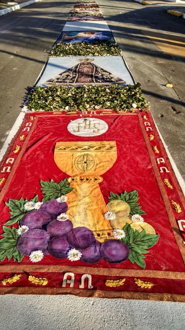 Tapetes Em Trico Enfeitam Ruas De Jacutinga Neste Corpus Christi